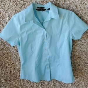 Eddie Bauer Turquoise Button Top Wrinkle Free Stre